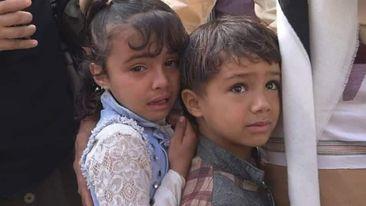 Photo of الطفل صهيب الحربي يظهر مرعوباً بعد نجاته من محاولة اختطاف كرهينه للضغط على والده بتسليم نفسه لمليشيا الحوثي في حيمة تعز
